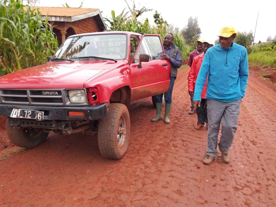 Das Pick in Verwendung im Dorf Bafou