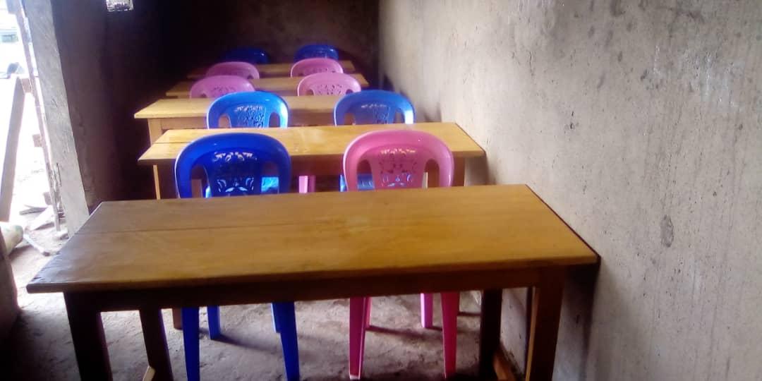 Neue Tische und Stühle für CEFORUSA