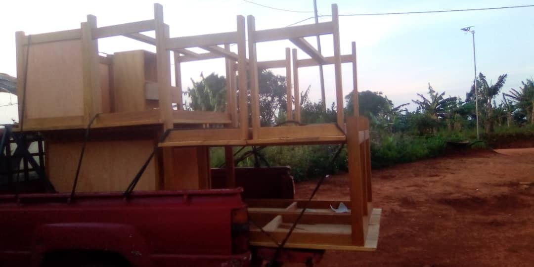 Transprt des Tische und Stühle für CEFORUSA